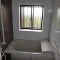 浴室をユニットバスに取替、台所の床を張替